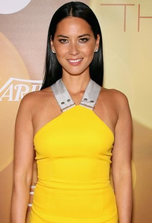 Olivia-Munn-2014-Variety-Breakthrough-of-the-Year-Awards-Las-Vegas-portrait-cropped