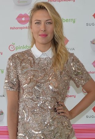 Maria-Sharapova-Unveiling-Sugarpova-Toppings-for-Pinkberry-Los-Angeles-portrait-cropped