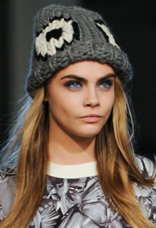 Модная трикотажная шапка своими руками