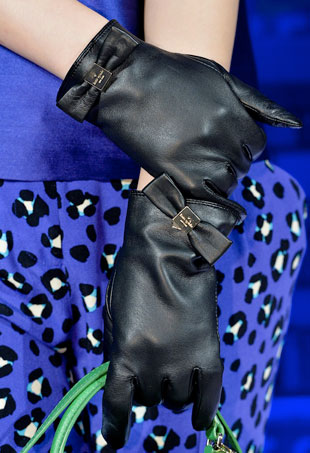 gloves-p