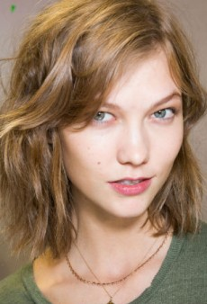 Beauty Report: 'Effortless' Wavy Hair at Isabel Marant