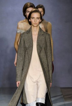 Maison Martin Margiela Plays It Safe for Fall 2014 (Runway Review)