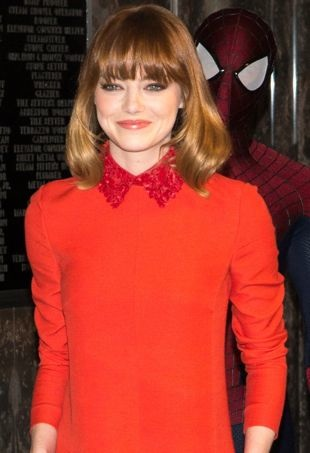 Emma-Stone-Empire-State-Building-New-York-City-portrait-cropped