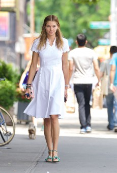 Get the Look: Jessica Hart's Little White Dress