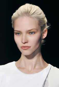 Runway Inspiration to Bring Out Your Fall Beauty on Campus