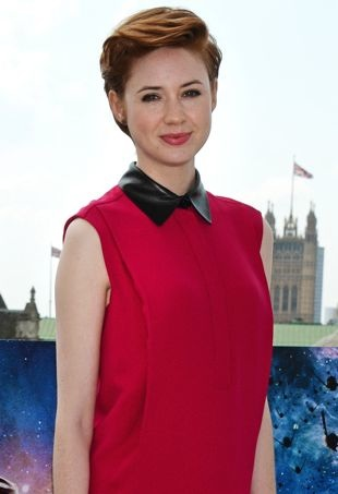 Karen-Gillan-London-Photocall-for-Guardians-of-the-Galaxy-portrait-cropped