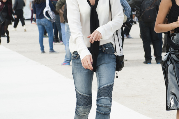 Paris street style denim look