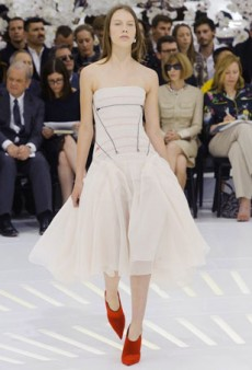 Raf Simons Pays Tribute to the Past with Modern Classics at Christian Dior Fall 2014 Haute Couture
