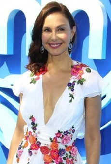 Ashley Judd Makes a Splash in a Floral Alberta Ferretti Dress
