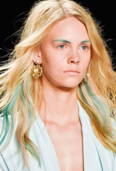 How to DIY Your Own Blue Lowlights a la Badgley Mischka Spring 2015