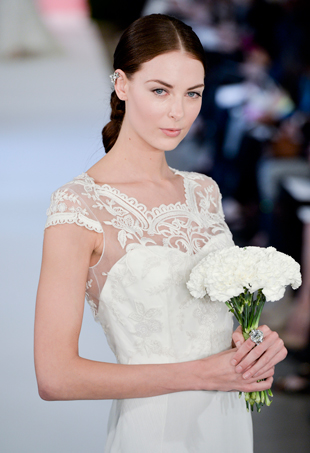 Things to Know Before Buying a Wedding Dress Online