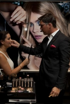 YSL Beauty Collaborates with Google Glass