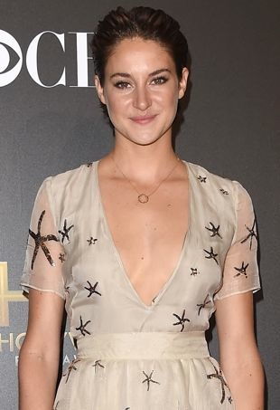 Shailene-Woodley-HollywoodFilmAwards-portraitcropped