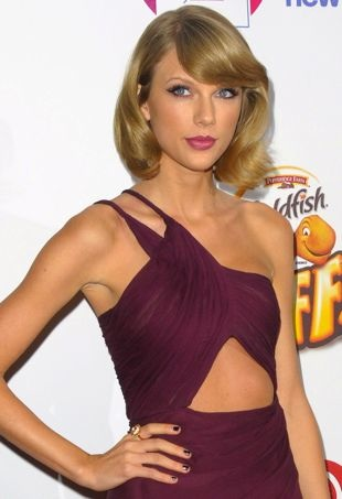 Taylor-Swift-z100JingleBall-portraitcropped