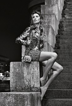 Gisele Bündchen Is Barefoot in Paris for the Chanel Spring 2015 Campaign (Forum Buzz)