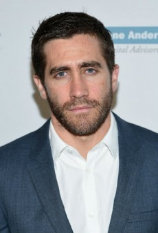 The 6 Stages of Jake Gyllenhaal's Beard