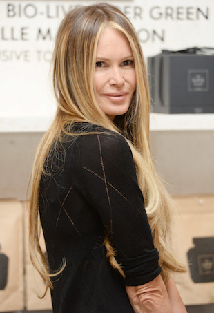 Elle Macpherson Is Kicking Herself For Not Wearing