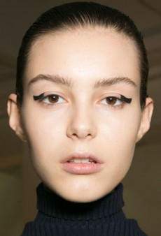 Graphic Block Liner at Suno: The New Cat Eye?