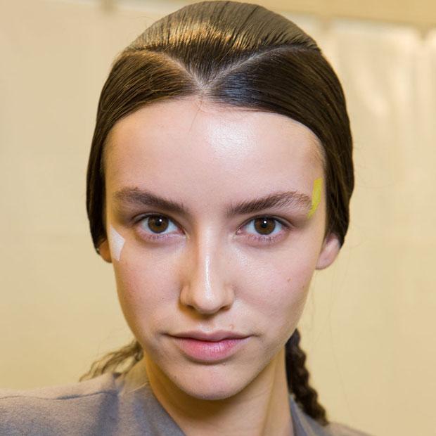 The hair look at Issey Miyake Fall 2015; image: Imaxtree