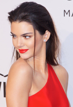 Kendall Jenner doing the wet hair look.