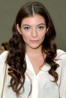 Lorde Shows off a New Beauty Look at Chloé Show