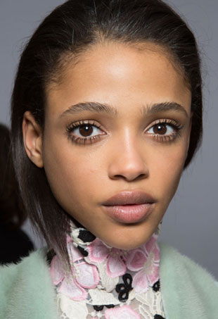 valli-paris-fashion-week-hair-makeup-beauty-fall-2015