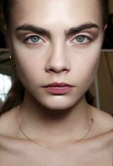 The Great Eyebrow Debate: Groomed or Natural?