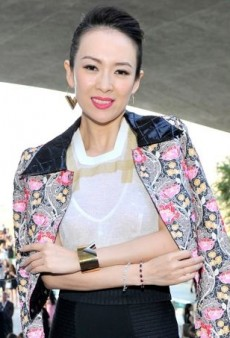 Zhang Ziyi Stands out from the Fashionable Crowd in Louis Vuitton