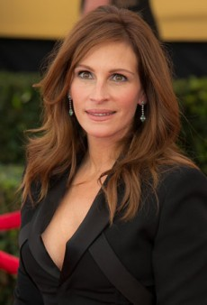 Link Buzz: Julia Roberts Loves Amal Clooney as Much as We Do, Beyoncé Supports Hillary Clinton