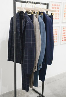 Paul Smith Men's Spring 2016 Runway Preparation