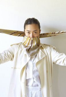 15 Scarf Tying Tricks We Learned from Pinterest