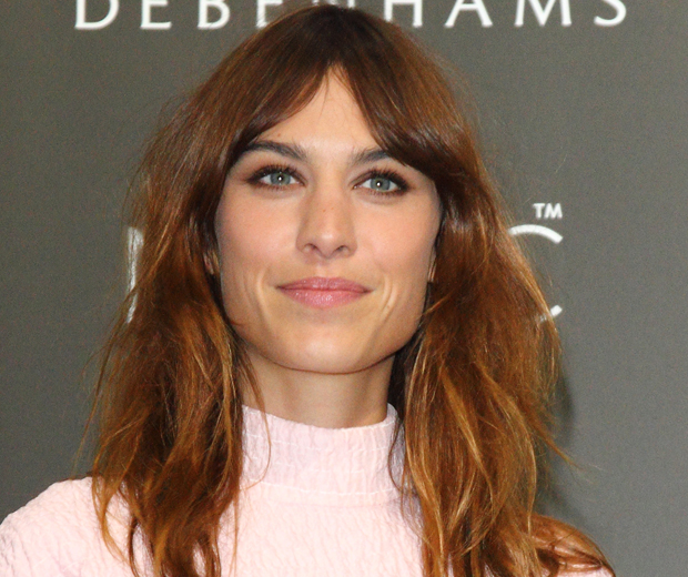 alexa-chung-2-how-to-grow-out-bangs_