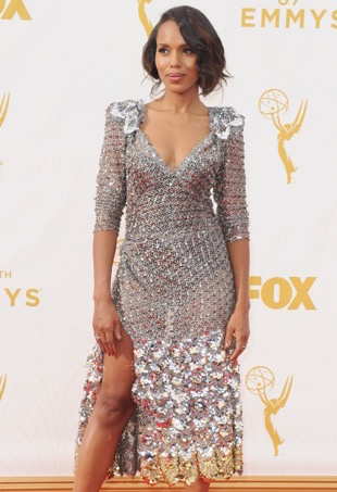 LOS ANGELES, CA - SEPTEMBER 20: Actress Kerry Washington arrives at the 67th Annual Primetime Emmy Awards at Microsoft Theater on September 20, 2015 in Los Angeles, California. (Photo by Jon Kopaloff/FilmMagic)