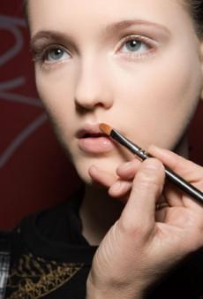 The Lowdown on Antibacterial Makeup Brushes
