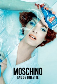 Linda Evangelista Stars in Moschino's Kitschy New Fragrance Campaign (Forum Buzz)