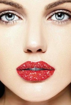 #GlitterLips Is the Latest Beauty Trend Taking Over Instagram