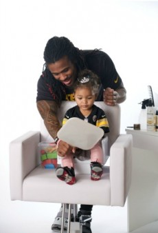 Watch: NFL Fathers Style Their Daughters' Hair in the Most Adorable Video Ever