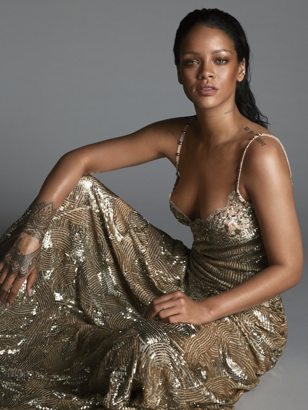 US Vogue April 2016 : Rihanna by Mert Alas & Marcus Piggott