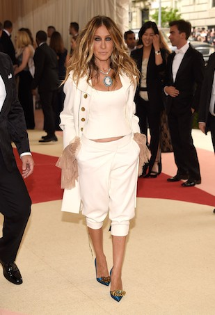 Beyoncé Nails Neutrals in Barneys New York and J Brand