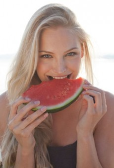 12 (Delicious) Superfoods That Help Fight Sun Damage