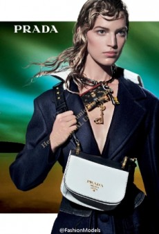 Steven Meisel's Prada Campaign for Fall 2016 Is a 'Train Wreck' (Forum Buzz)