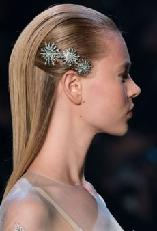 23 Gorgeous and Grown-Up Ways to Wear Barrettes