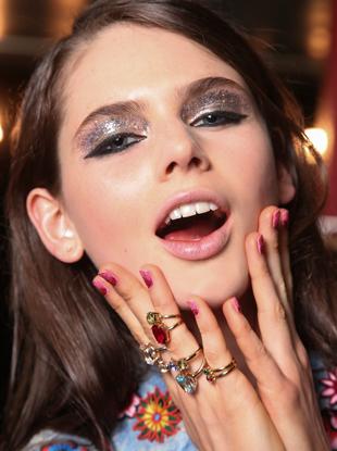 holiday-makeup-tips-p