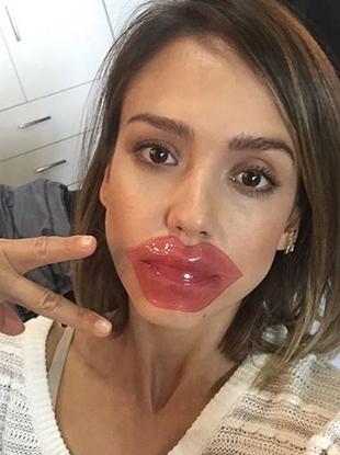 jessica alba tonymoly lip mask https://www.instagram.com/p/BOnM15QBWLX/