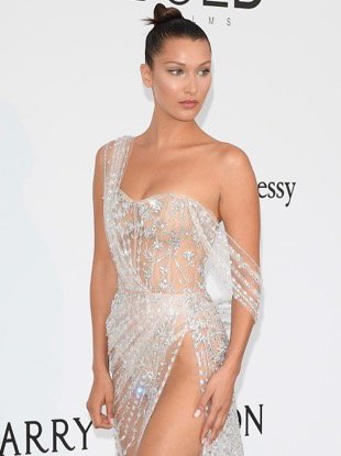 CAP D'ANTIBES, FRANCE - MAY 25: Bella Hadid arrives at the amfAR Gala Cannes 2017 at Hotel du Cap-Eden-Roc on May 25, 2017 in Cap d'Antibes, France. (Photo by Venturelli/WireImage for amfAR)