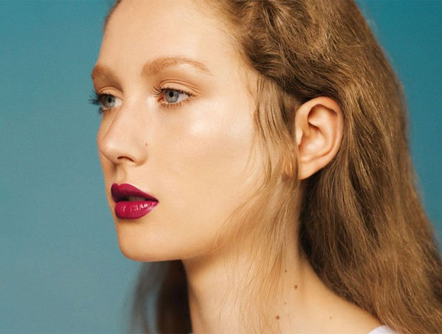 Master The Glazed Skin Look With These Jelly Highlighters