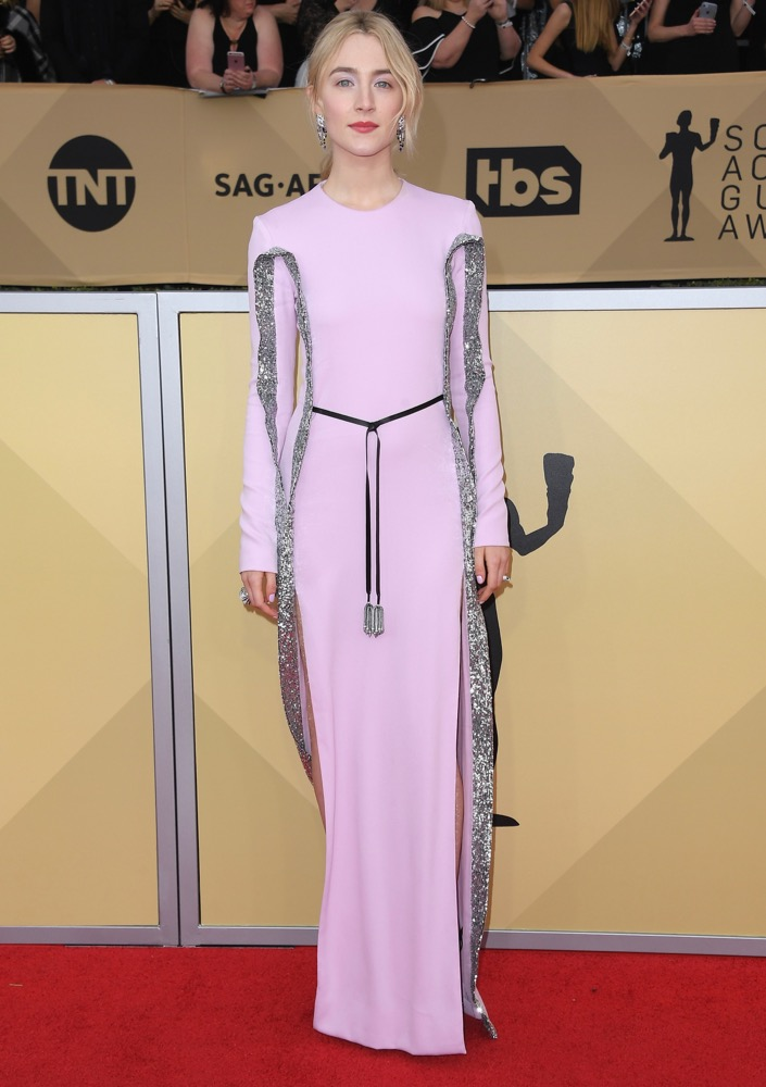 Saoirse Ronan  All the Glitz and Glamour From the 2018 SAG Awards Red Carpet Saoirse Ronan 2018 SAG Awards