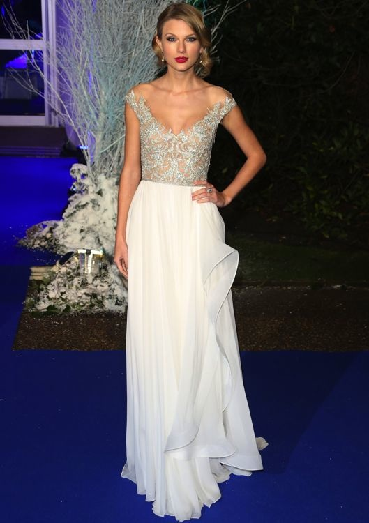 Taylor Swift at the Centrepoint Winter Whites Gala