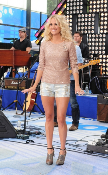 Carrie Underwood Shines in Shorts