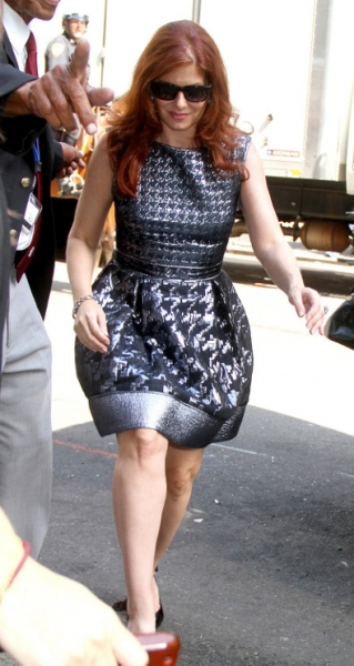 Debra Messing in Rafael Cennamo